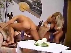 onlayn-masturbatsiya-zhenshin-skritaya-kamera