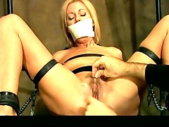 mucle guy get tied up handjob